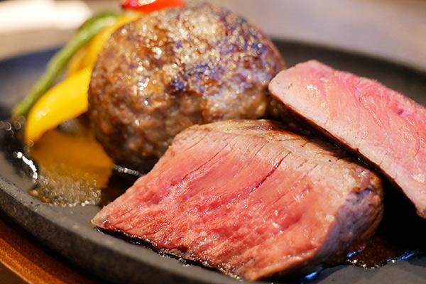 群馬県産黒毛和牛赤城牛長期熟成ハンバーグとステーキのセット